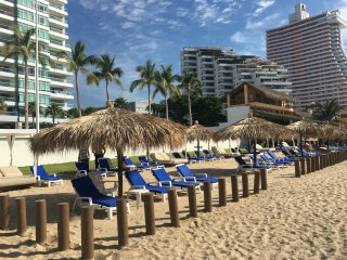 Luxury Modern Condo steps to the beach of Acapulco - Acapulco vacation rentals