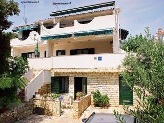 Apartment TeaTom 2+2 T - Mandre vacation rentals