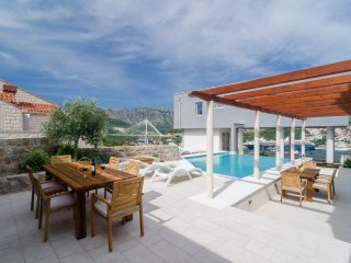 Villa Diana with Swimming Pool : Apartment Ivo - Dubrovnik vacation rentals