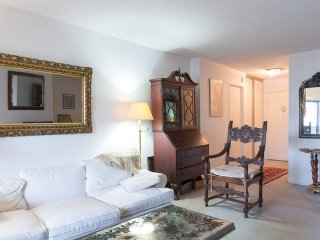 Nice Condo with Washing Machine and Television - Alexandria vacation rentals