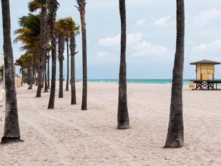 Hollywood Beach Towers, Ocean Front! Luxury Condos NOW 10% OFF SPRING BREAK! - Hollywood vacation rentals