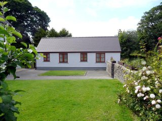 Comfortable Cottage with Internet Access and Washing Machine - Crymych vacation rentals