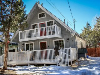 Lovely House with Central Heating and Fireplace - Sugarloaf vacation rentals