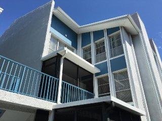 MADEIRA BEACH YACHT CLUB UNIT G - 2/1.5 WATERWAY & FISHING DOCK - Treasure Island vacation rentals