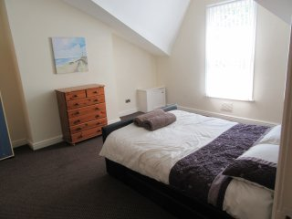 1 BED APARTMENT IN AIGBURTH, LIVERPOOL - Liverpool vacation rentals