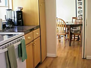 Great 2 Bedroom Apartment Two Blocks From University Ave! - Palo Alto vacation rentals