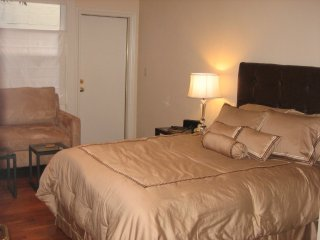 SUPERB STUDIO UNIT WITH COMPLETE AMENITIES - San Francisco vacation rentals