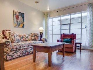 Fully Furnished 1 Bedroom Downtown Palo Alto - Palo Alto vacation rentals