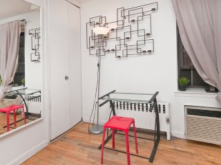 Nice and Fine 1 Bedroom 1 Bathroom Apartment in NY - Laundry in Building - Long Island City vacation rentals