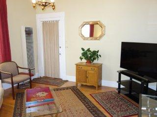 Furnished 1-Bedroom Apartment at Divisadero St & Waller St San Francisco - San Francisco vacation rentals