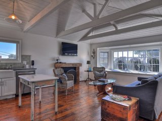 Furnished 1-Bedroom Cottage at Coast Hwy & 3rd Ave Laguna Beach - Laguna Beach vacation rentals