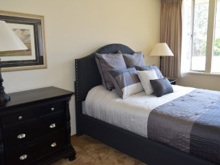 Furnished 1-Bedroom Apartment at El Camino Real & Spruce Ave Atherton - Menlo Park vacation rentals