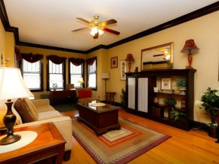 3 bedroom Condo with Internet Access in Chicago - Chicago vacation rentals