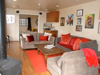 Bright 4 bedroom House in El Cerrito with Internet Access - El Cerrito vacation rentals