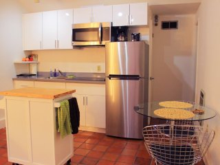 Furnished 1-Bedroom Apartment at Greenwich St & Mason St San Francisco - San Francisco vacation rentals