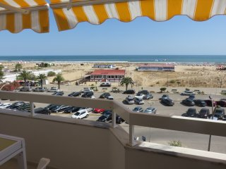 2-bed apt discount for long stays Wifi+linens+park+AC - Monte Gordo vacation rentals