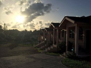 Nice 1 bedroom Guest house in Nassau with Internet Access - Nassau vacation rentals