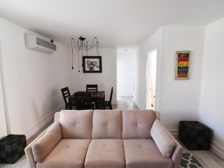 Furnished 2-Bedroom Apartment at Abbot Kinney Blvd & Andalusia Ave Los Angeles - Venice Beach vacation rentals