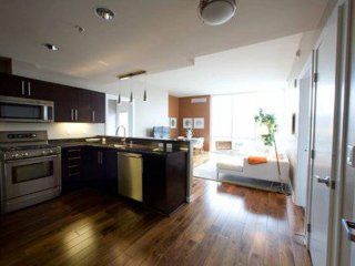 Furnished 2-Bedroom Condo at Broadway & 3rd St Oakland - Oakland vacation rentals