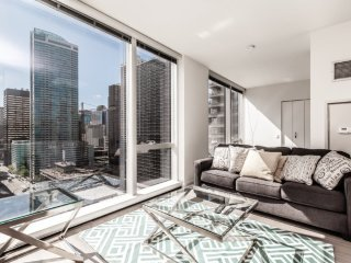 BEAUTIFULLY FURNISHED 1 BEDROOM LUXURY APARTMENT - Chicago vacation rentals