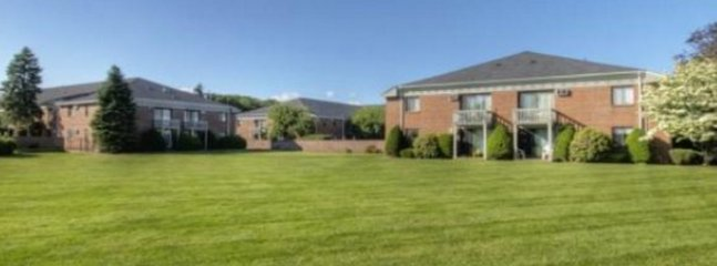 2 bedroom Apartment with Internet Access in Marlborough - Marlborough vacation rentals