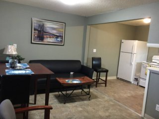 2 bedroom Condo with Internet Access in Tukwila - Tukwila vacation rentals