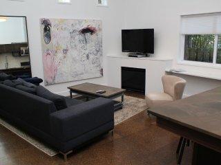 1 bedroom Condo with Internet Access in Shoreline - Shoreline vacation rentals