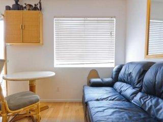 Furnished 1-Bedroom Apartment at Bagley Ave & Regent St Los Angeles - Lucerne vacation rentals