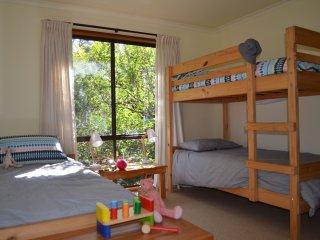 Snapper Shack - baby, toddler,preschooler friendly - Apollo Bay vacation rentals