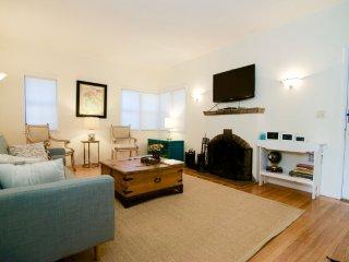 Adorable and Charming 1 Bedroom Apartment with Fireplace - Redwood City vacation rentals