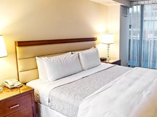 Comfortable Rosslyn Condo rental with Internet Access - Rosslyn vacation rentals