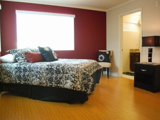 2 bedroom Apartment with Internet Access in North Hollywood - North Hollywood vacation rentals