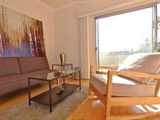 Furnished 1-Bedroom Apartment at Washington Ave & 9th St Santa Monica - Santa Monica vacation rentals