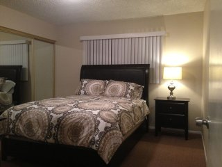 Furnished 2-Bedroom Home at Coast St & Fagan Pl Garden Grove - Garden Grove vacation rentals