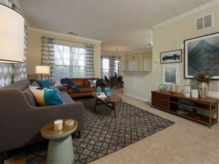Furnished 3-Bedroom Apartment at Traville Gateway Dr & Alta Oaks Dr Rockville - Rockville vacation rentals