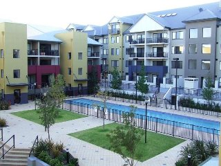 Fantastic 1 bed spacious central apartment - Perth vacation rentals