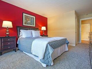 Furnished 2-Bedroom Apartment at Lake St & N Francisco Terrace Oak Park - Oak Park vacation rentals