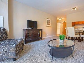 Furnished 1-Bedroom Apartment at Lake St & N Francisco Terrace Oak Park - Oak Park vacation rentals