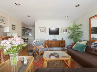 Furnished 2-Bedroom Home at Valley Dr & 30th St Hermosa Beach - Hermosa Beach vacation rentals