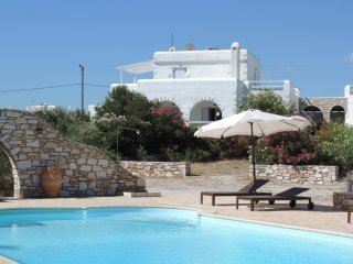Villa Paros for 8-10 people close to the sea - Naoussa vacation rentals
