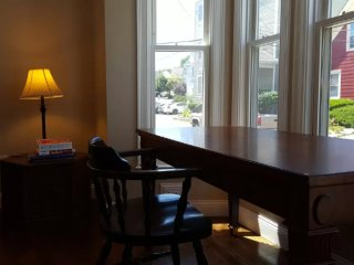 Furnished 2-Bedroom Apartment at N Main St & Johnson Ct Brockton - Brockton vacation rentals