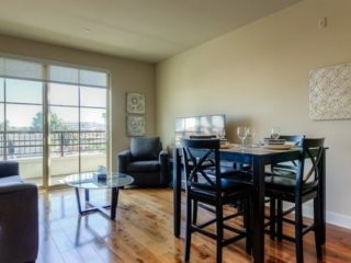 Furnished 2-Bedroom Apartment at E MacArthur Blvd & Main Street Santa Ana - Santa Ana vacation rentals
