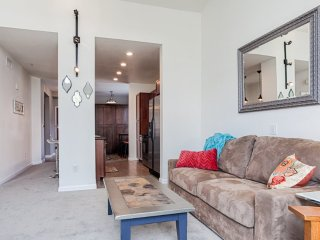 Furnished 1-Bedroom Apartment at Crescent Park E & Bay Park Dr Los Angeles - Westchester vacation rentals