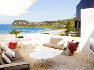 Beautiful House with Internet Access and Shared Outdoor Pool - Whale Beach vacation rentals