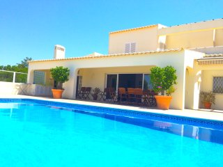 villa Salgado, sea view, close to beach, Albufeira - Albufeira vacation rentals