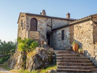 Poggio alla Rocca - SOLE - Casale di Pari vacation rentals