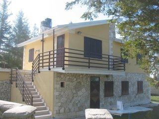 Villa nel Parco Nazionale della Majella - Pretoro vacation rentals