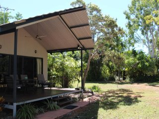 Lovely Bungalow with Internet Access and A/C - Kununurra vacation rentals