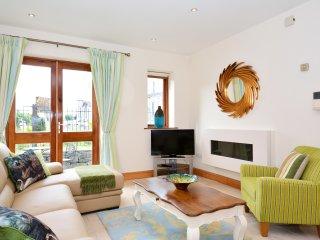 Superior City Centre three bedroom apartment. - Galway vacation rentals