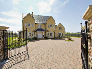 Luxury villa with beach & golf nearby - Dirleton vacation rentals